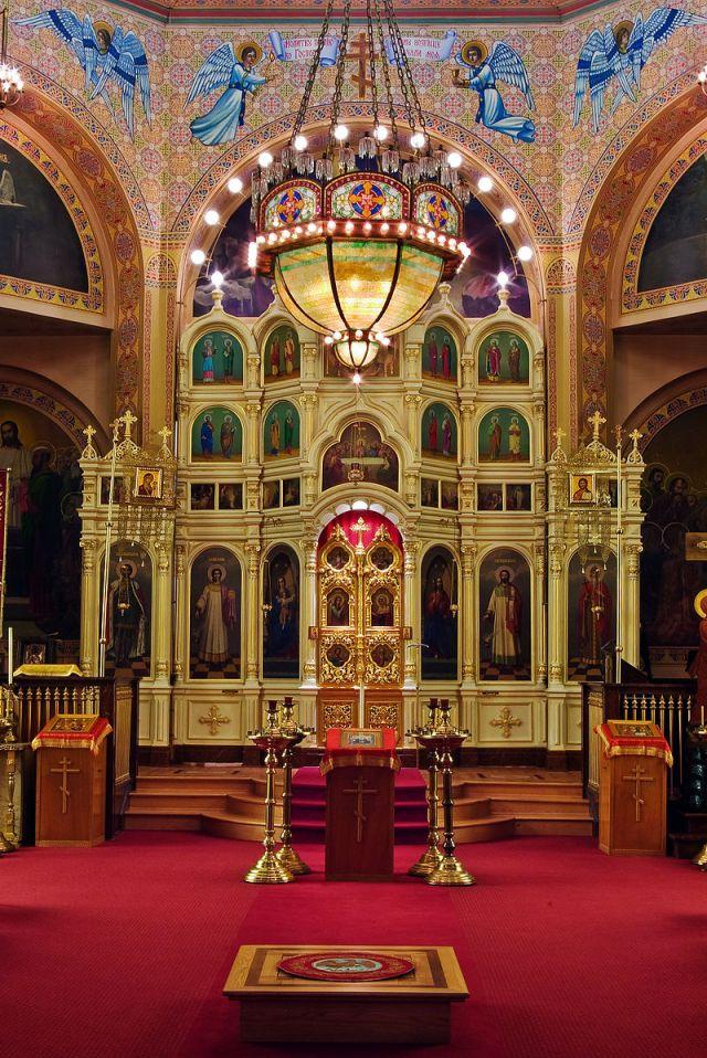 800px-holy_trinity_russian_orthodox_church_071215